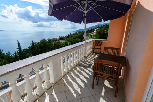 A balcony or terrace at Apartments Maris