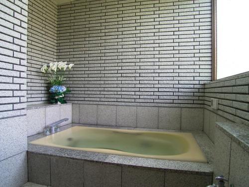 A bathroom at Kikuya