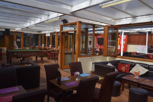 Cheers Cafe Bar & Tavern