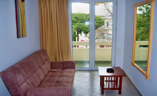 A seating area at Fantasia Hotel Apartments