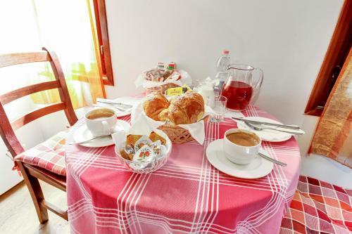 Espaço para refeições no cama e café (B&B)