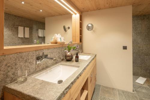 A bathroom at Hotel Albris