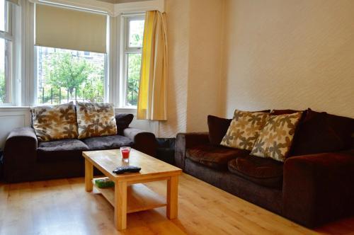 2 Bedroom Apartment in Blackford