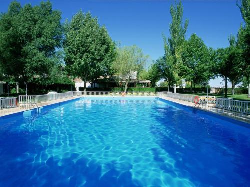 The swimming pool at or near Parador de Albacete