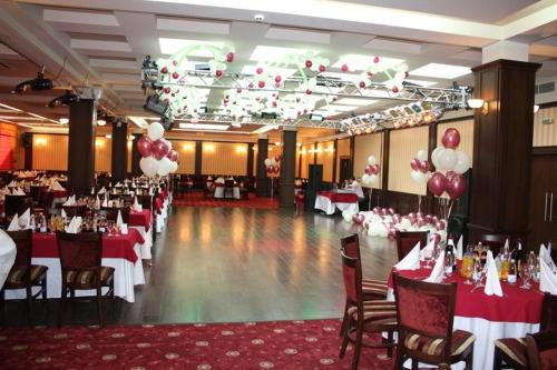 A restaurant or other place to eat at Hotel Rostov