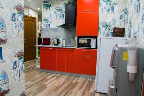 """Кухня или мини-кухня в Мини-гостиница """"Апарт-Мари"""""""
