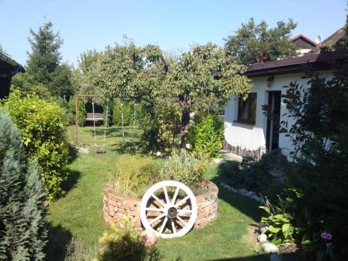 Vonkajšia záhrada v ubytovaní Mikulas Guest House