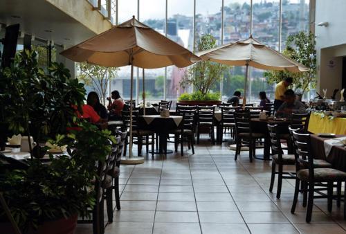 Restaurace v ubytování Hotel Mediterraneo Sa De Cv