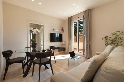 Area soggiorno di Oriana Suites Verona