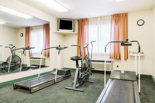 The fitness center and/or fitness facilities at Super 8 by Wyndham Sheldon