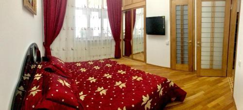 Cama ou camas em um quarto em metro ICHERI SHEHER