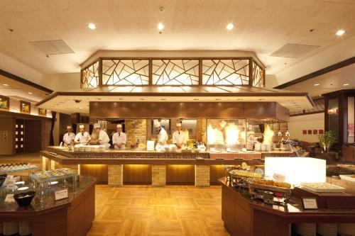 A restaurant or other place to eat at Iizaka Hotel Juraku