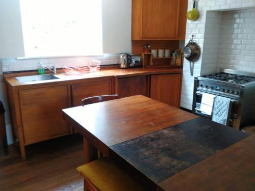 A kitchen or kitchenette at Peckham hill street