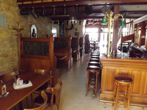 """Lounge oder Bar in der Unterkunft Hotel """"Zur Sonne"""""""