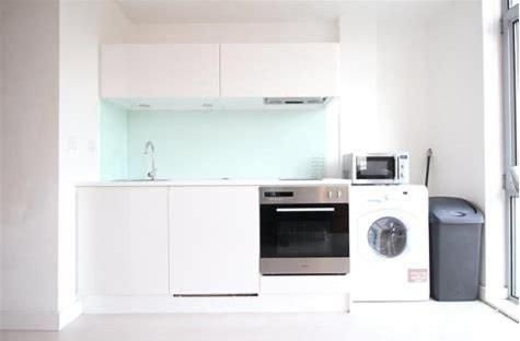 A kitchen or kitchenette at Serviced Apartments Leeds