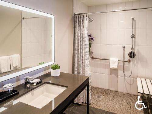 A bathroom at The Heathman Hotel