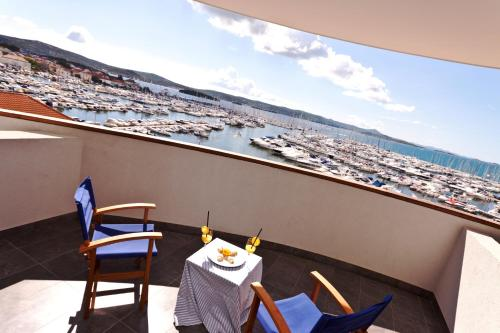 A balcony or terrace at Hotel IN