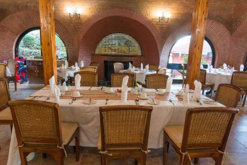 A restaurant or other place to eat at Sunbird Ku Chawe