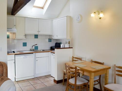 A kitchen or kitchenette at Swift
