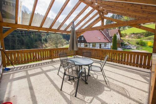 Ein Balkon oder eine Terrasse in der Unterkunft Steinhof