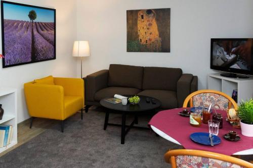 Ein Sitzbereich in der Unterkunft Parkblick Appartement - Entspannung pur!