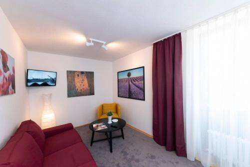 Ein Sitzbereich in der Unterkunft Bergblick Appartement - Odenwald pur!