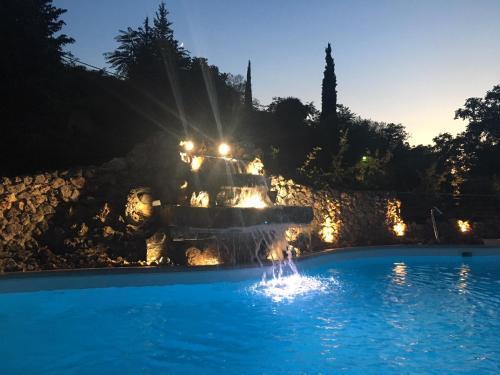 Πισίνα στο ή κοντά στο Kalavrita Canyon Hotel & Spa