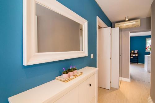 A bathroom at Apartments Lili Flora