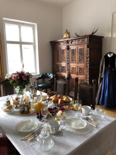 Ein Restaurant oder anderes Speiselokal in der Unterkunft Sarah's Altstadt Oase Salzburg