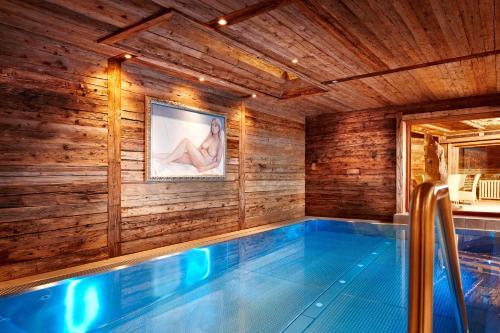 The swimming pool at or near Art & Ski-in Hotel Hinterhag