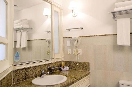 A bathroom at Apto no Il Campanario