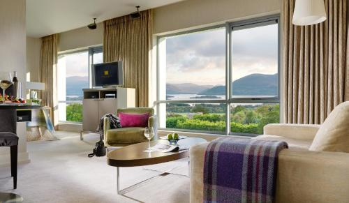 A seating area at Aghadoe Heights Hotel & Spa