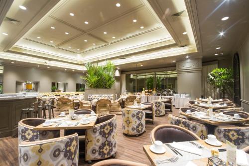 Um restaurante ou outro lugar para comer em Unipark by Oro Verde Hotels