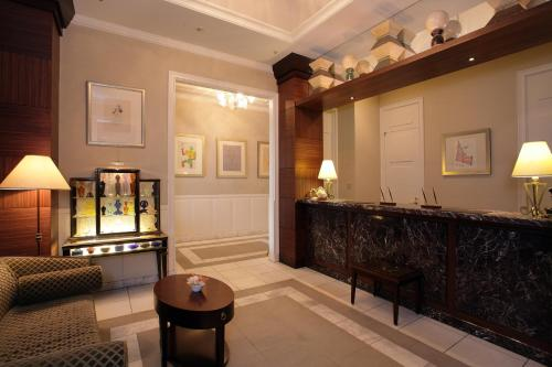 The lobby or reception area at Hotel Monterey Lasoeur Ginza