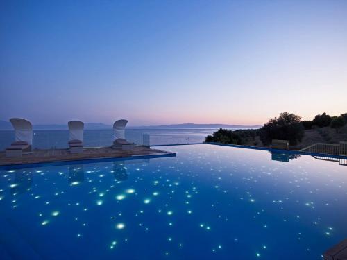 Πισίνα στο ή κοντά στο Adrina Resort & Spa