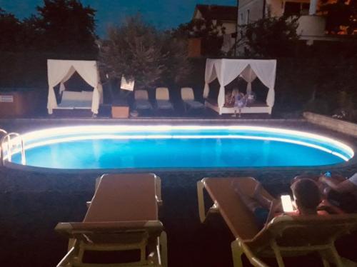 The swimming pool at or close to Apartmani Elio