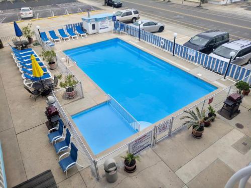 Una vista de la alberca en Calypso Boutique Hotel o alrededores