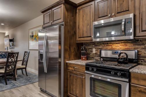 A kitchen or kitchenette at Canyon View Retreat #56