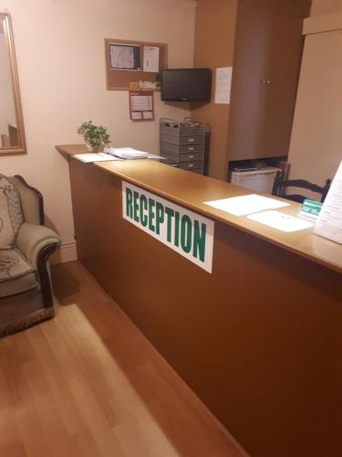 The lobby or reception area at Shamrock Guest House