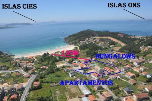 Een luchtfoto van Camping Playa Canelas
