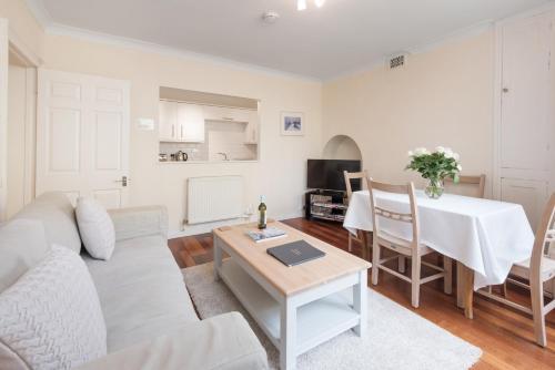 Brunswick Patio Apartment