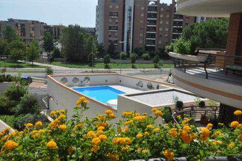 A view of the pool at La Mia Casa Romana or nearby