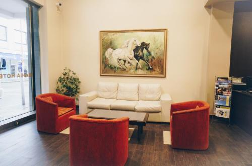A seating area at Bahia Hotel