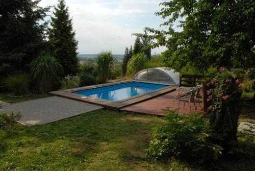 Bazén v ubytování Ubytování Vila Sobotka nebo v jeho okolí