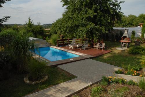 Výhled na bazén z ubytování Ubytování Vila Sobotka nebo okolí