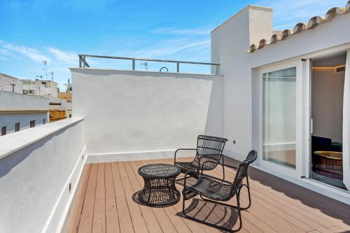 One Shot Palacio Conde de Torrejón 09 tesisinde bir balkon veya teras