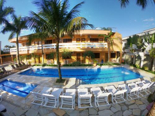 A piscina localizada em Pousada Acquaville ou nos arredores