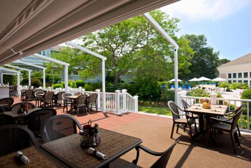 A restaurant or other place to eat at Cape Codder Resort & Spa