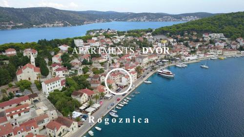 A bird's-eye view of Apartments Dvor