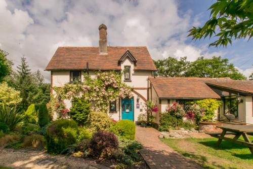 Dale Farm House Retreat